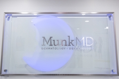Munk MD Sign